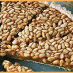 Торт с кедровыми орешками и мёдом