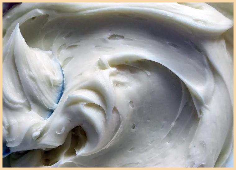 крем с маскарпоне и сметаной