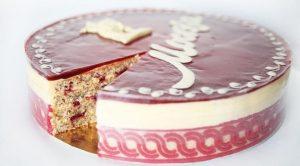 Московский торт с миндалем и малиной
